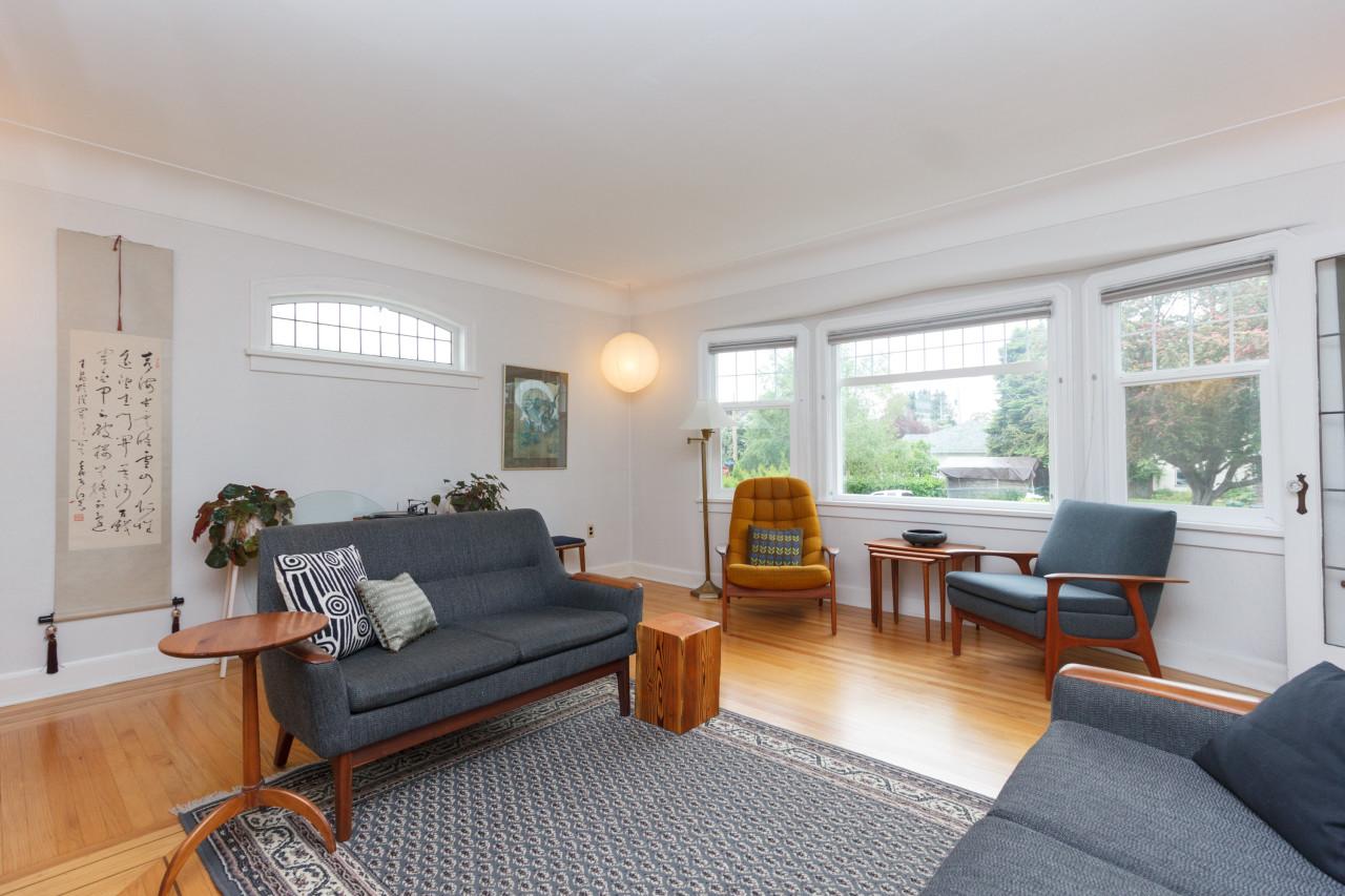 05-living-room